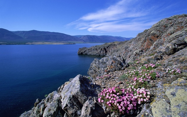 Заставка для - Волонтеры помогут Байкалу в туристический сезон