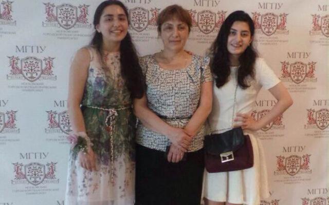 Заставка для - Семья Алиевых, «Мосволонтер»