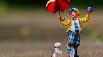 Заставка для - Больничные клоуны: терапия смехом и игрой