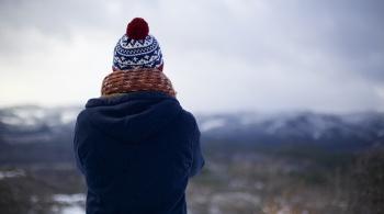 Заставка для - CharityShop собирает зимние вещи для бездомных и нуждающихся