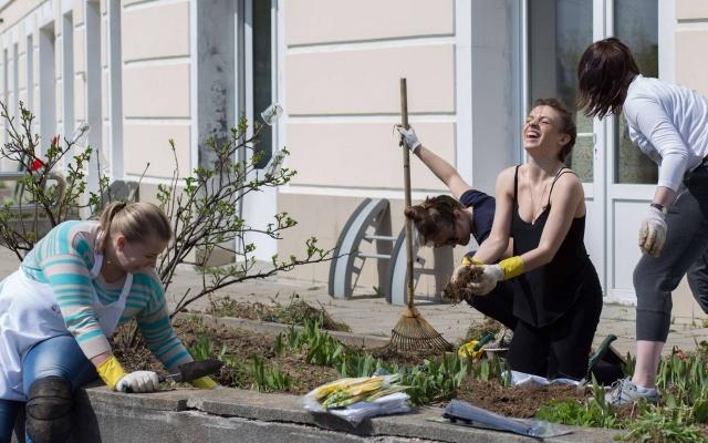 Заставка для - Фонд «Вера» ищет волонтеров для помощи в уборке хосписов