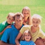 Заставка для - Благотворительный праздник «Любовь и семья спасут мир» в саду «Эрмитаж»